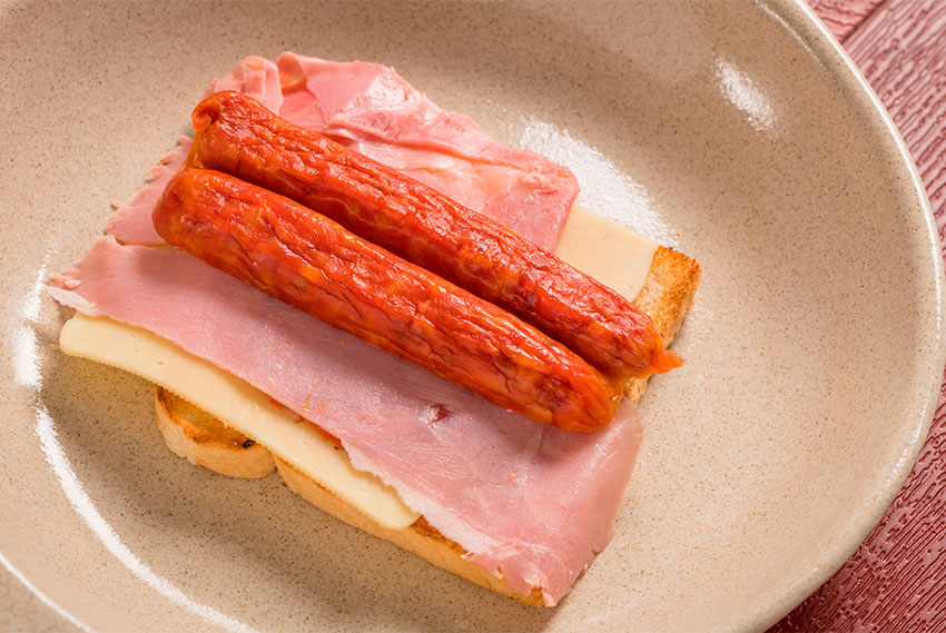 Francesinha Sandwich 3