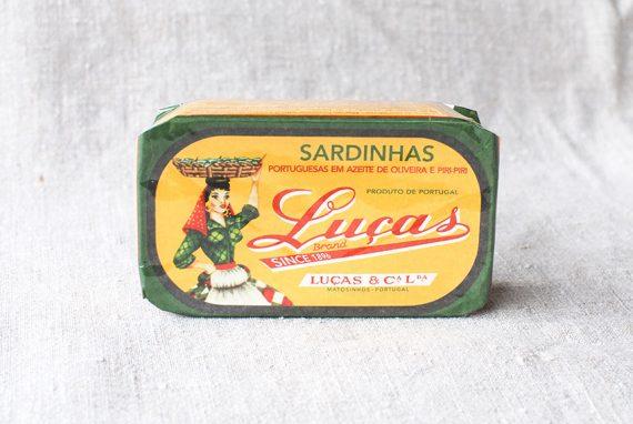 Sardinen in Olivenöl und Piri Piri
